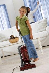 girl-vacuuming