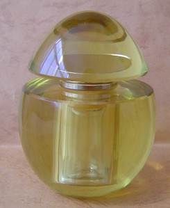 Crystal-Perfume-Bottle-Queen-0532-